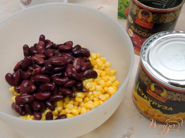 Фасоль с кукурузой и сухариками рецепт