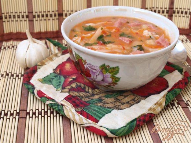 фото рецепта: Томатный суп с лапшой и ветчиной