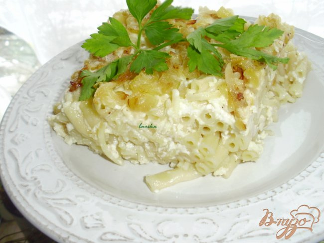 Фото приготовление рецепта: Запеканка из макарон и брынзы шаг №5