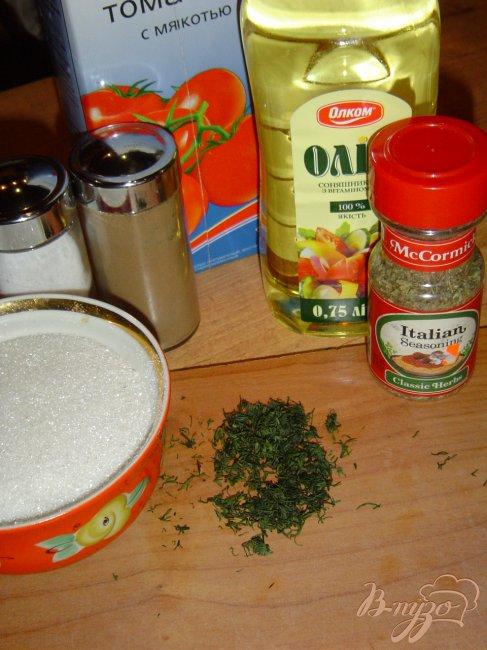 Фото приготовление рецепта: Напиток из томатного сока с укропом. шаг №1