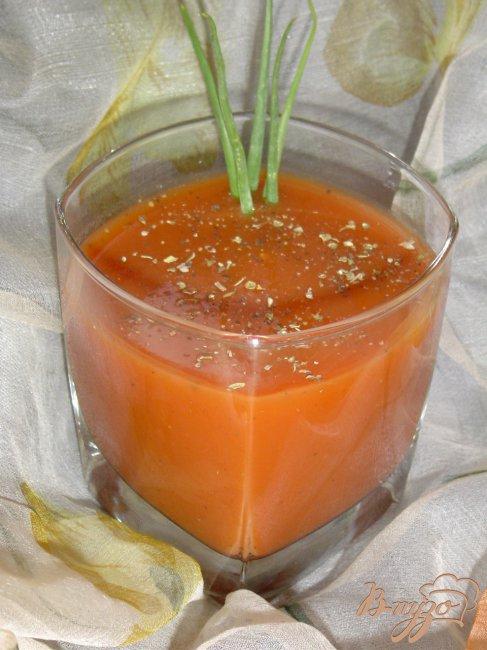 Фото приготовление рецепта: Томатно-апельсиновый напиток шаг №3
