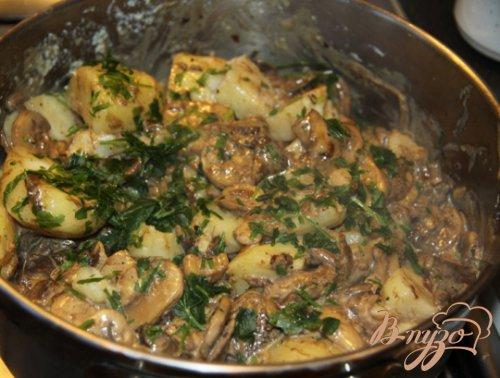 Картошка жаренная с грибами.