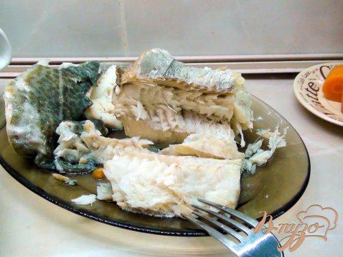 Салат рыбный с отварной морковкой и сельдерем.
