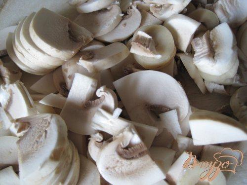 Мясные шарики с сырной и грибной начинкой.
