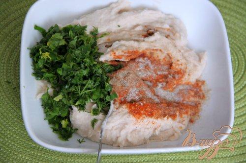 Паштет из фасоли с вялеными томатами и прованскими травами