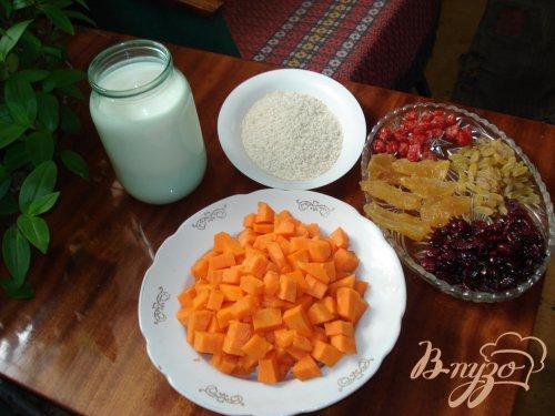 Каша тыквенная с вялеными фруктами