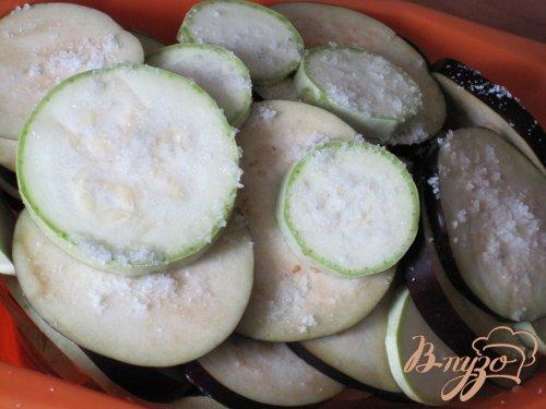 Баклажаны запеченные с овощами