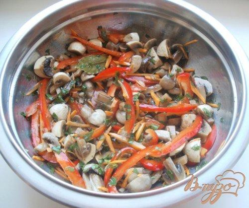 Маринованные шампиньоны с овощамии тмином