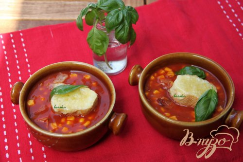 Быстрый томатный суп с кукурузой и беконом