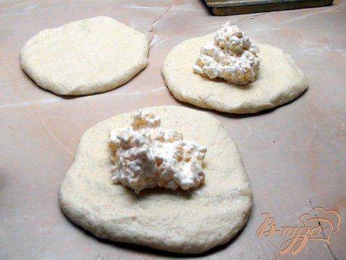 Ароматные лепёшки из манки с сыром.