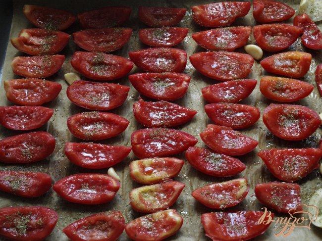 Фото приготовление рецепта: Вяленые помидоры шаг №2