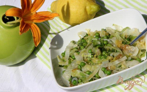 Рецепт Тёплый салат из зелёного горошки и салата айсберг
