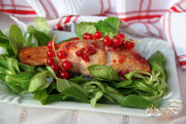 Рецепт Лосось в маринаде из красной смородины