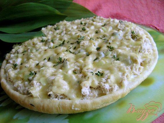 Рецепт Пицца с курицей, кедровыми орешками и каперсами