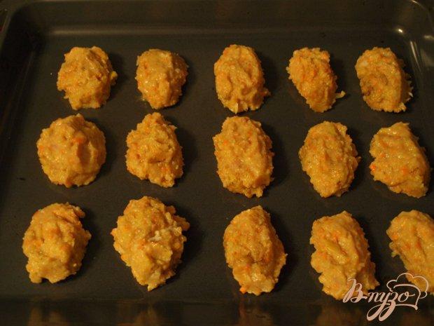 Фото приготовление рецепта: Куриные котлеты с яблоками и кукурузной крупой шаг №4