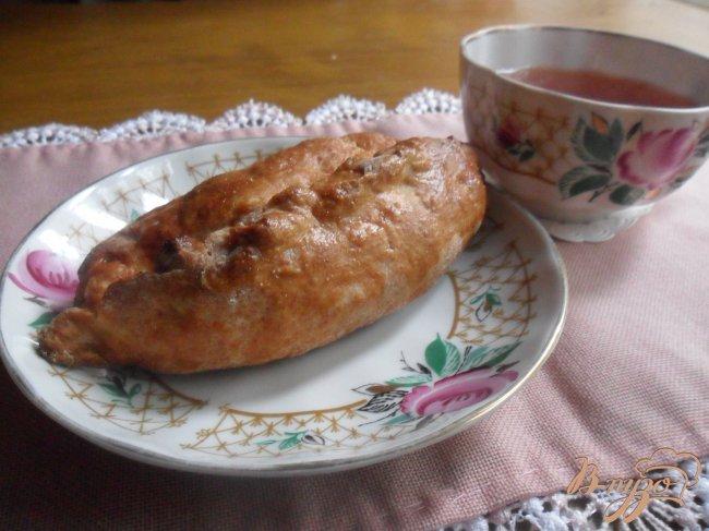 Фото приготовление рецепта: Пирожки с рисом, яйцом и зелёным луком шаг №7