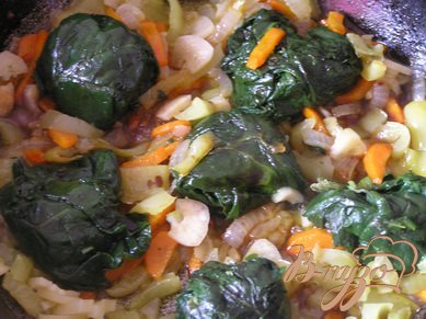 Шпинат с овощами в соусе терияки