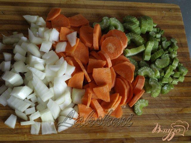 Фото приготовление рецепта: Фассолада - греческий фасолевый суп шаг №1