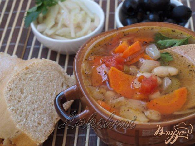 фото рецепта: Фассолада - греческий фасолевый суп