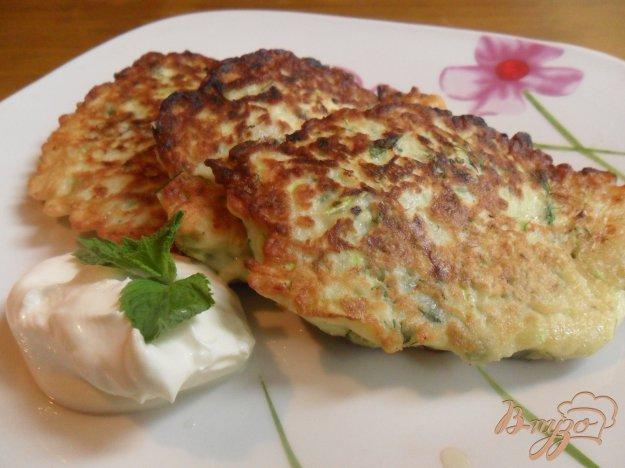Рецепт Латкес из цукини с козьим сыром