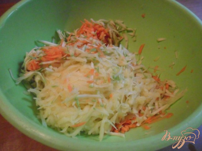 Фото приготовление рецепта: Овощной кугель шаг №1