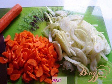 Телячьи ребрышки с соусом и черносливом
