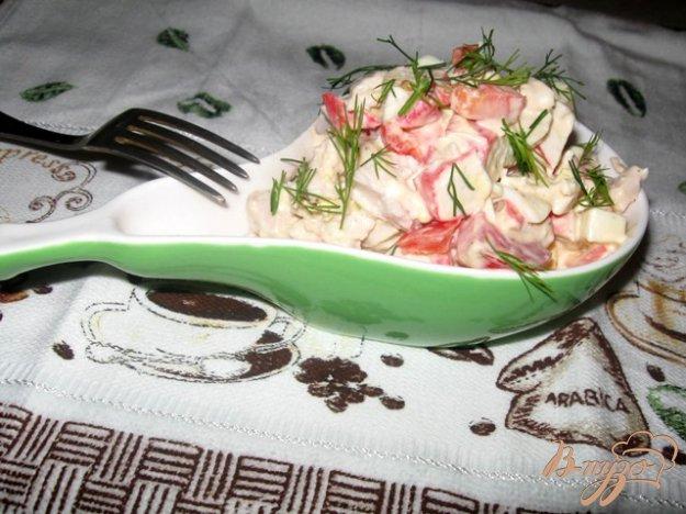 """Рецепт Салат с крабовым мясом и куриной грудкой """"Коралл"""""""