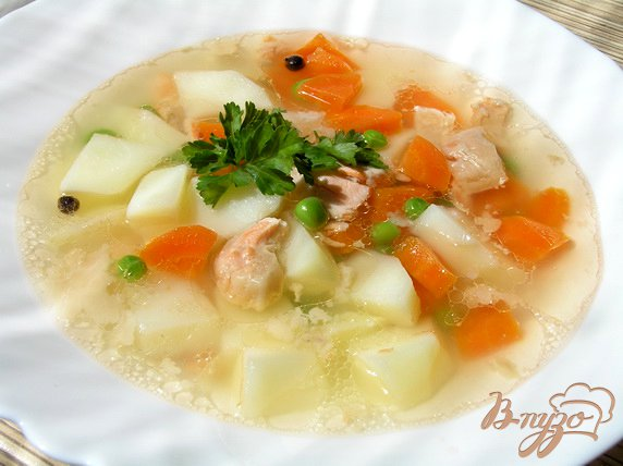фото рецепта: Овощной суп с лососем