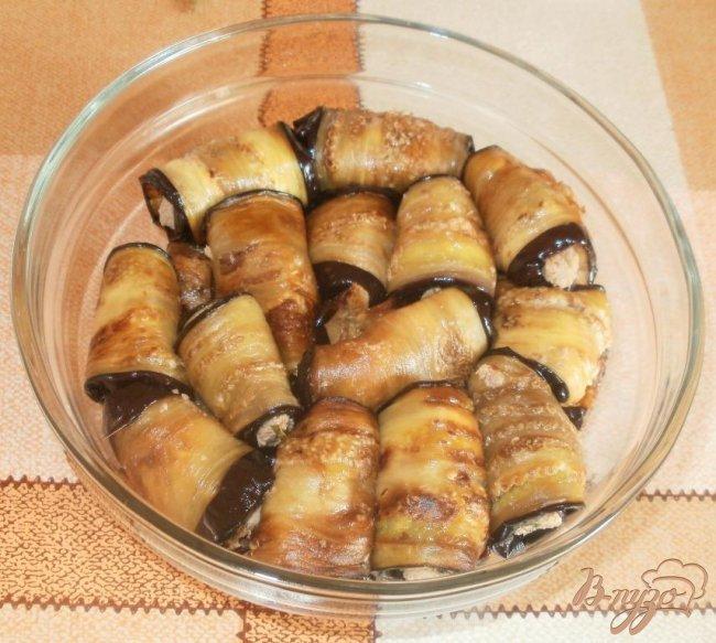 Фото приготовление рецепта: Жареные баклажаны с ореховой начинкой шаг №4