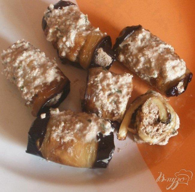 Фото приготовление рецепта: Жареные баклажаны с ореховой начинкой шаг №6