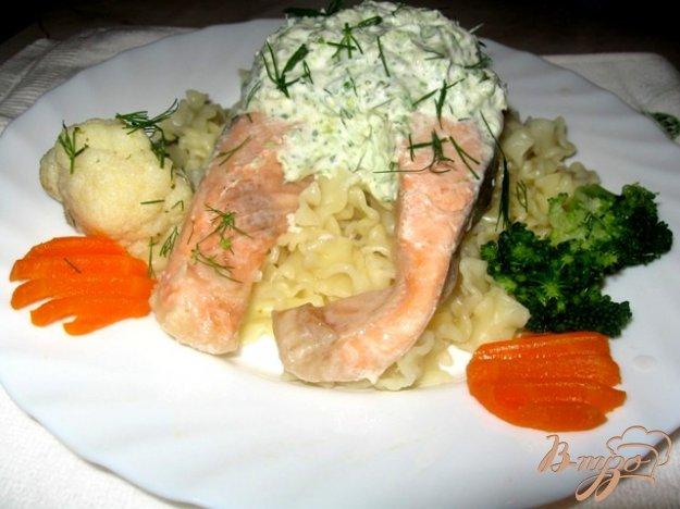 фото рецепта: Лосось под соусом из брокколи.