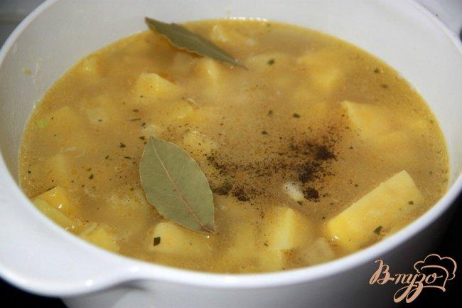 Фото приготовление рецепта: Суп-пюре «Пармантье» шаг №2