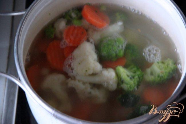 Фото приготовление рецепта: Быстрый овощной суп с кус-кусом шаг №1