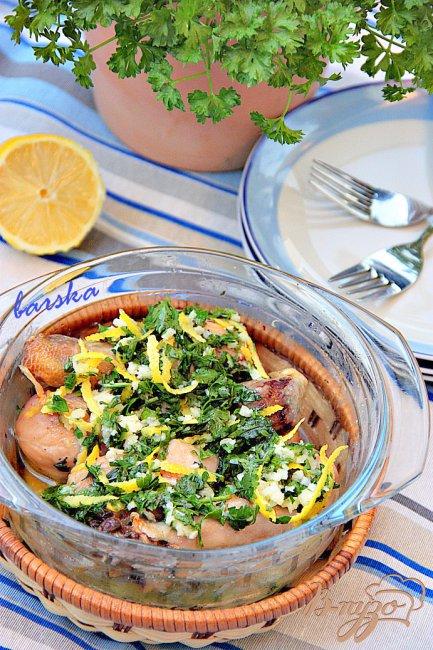 Фото приготовление рецепта: Куриные голени с лимоном и чесноком шаг №4