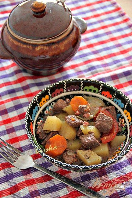 Фото приготовление рецепта: Boeuf en daube - Говядина, тушенная в вине шаг №5