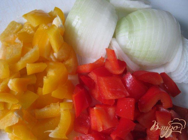 Фото приготовление рецепта: Картофельный пирог с мясом и овощами. шаг №6