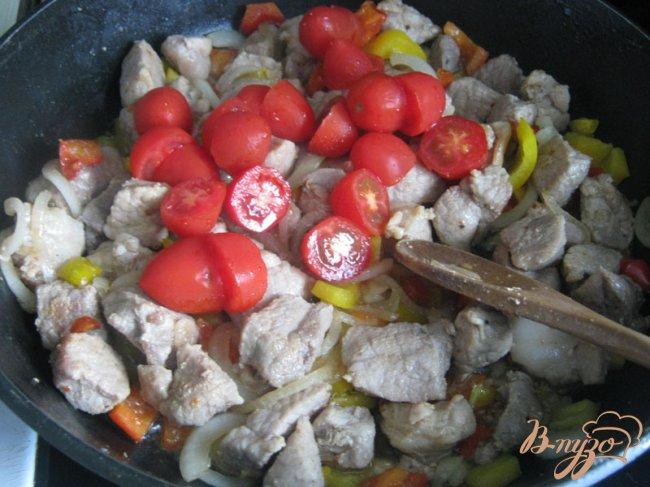 Фото приготовление рецепта: Картофельный пирог с мясом и овощами. шаг №9