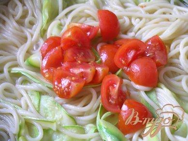 Спагетти с цуккини и черри