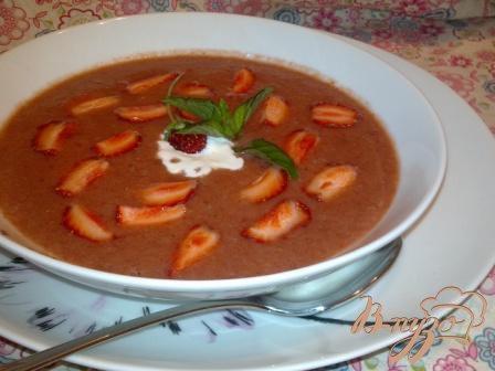 Холодный клубничный суп с имбирем