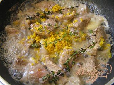 Соте из говядины с апельсином и тимьяном в белом вине