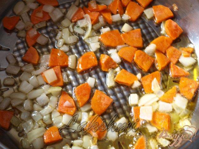 Фото приготовление рецепта: Греческий суп с фрикадельками шаг №2