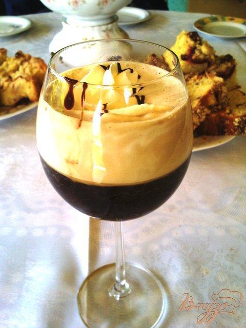 Фото приготовление рецепта: Ароматный кофе гляссе шаг №4