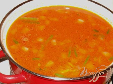 Фасолевый суп с помидорами