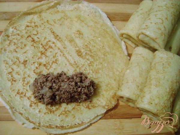 Фото приготовление рецепта: Блины с ливером, обжаренные в яйце! шаг №2