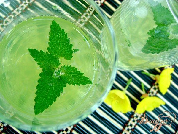 Рецепт Охлаждающий напиток с мятой и лимоном