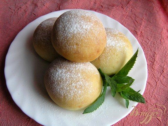 Фото приготовление рецепта: Творожные булочки с мятным сиропом шаг №5