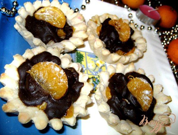 Рецепт Корзинки с песочного теста с карамельными мандаринами и шоколадом