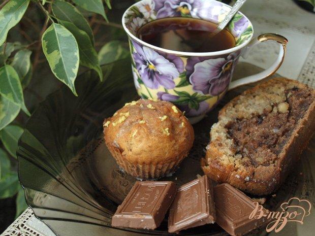 Фото приготовление рецепта: Бананово-шоколадный кекс шаг №5