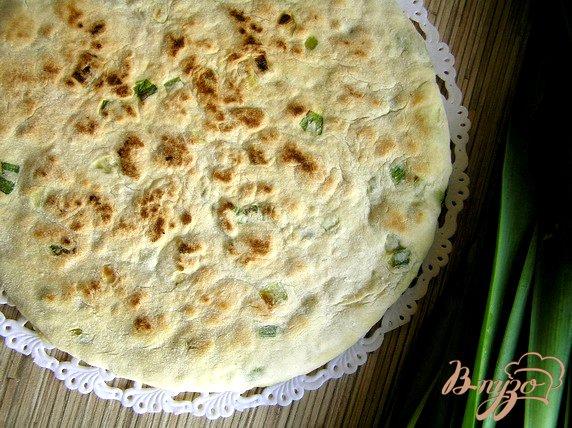 фото рецепта: Лепешка с зеленым луком