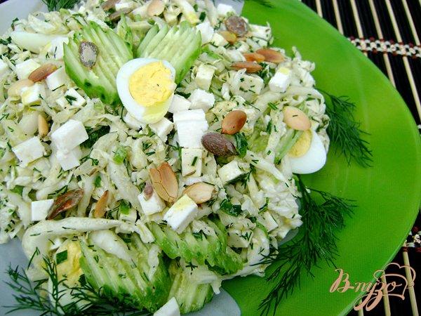 Рецепт Салат «Авангард» с пекинской капустой, брынзой и горчично-оливковой заправкой